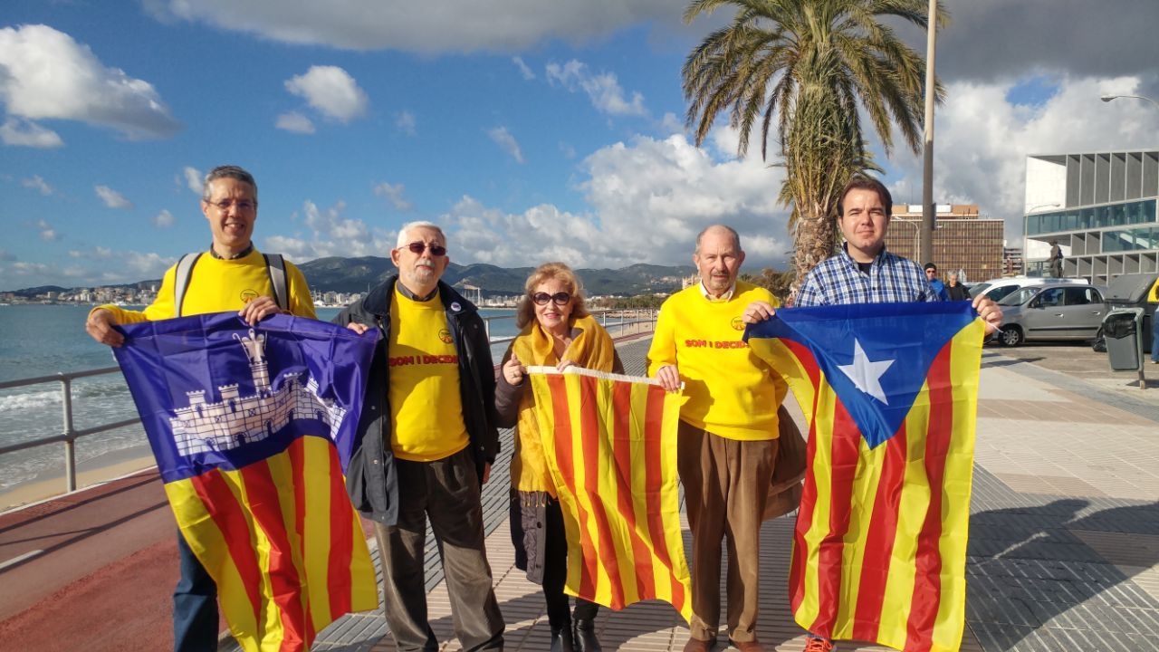 Presentació de la campanya La nostra senyera al balcó