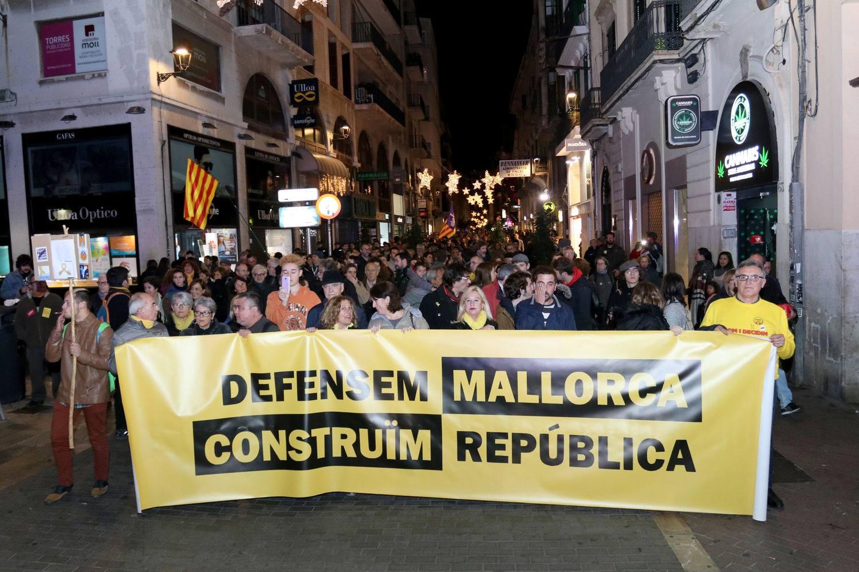 5.000 participants a la manifestació de la Diada de Mallorca