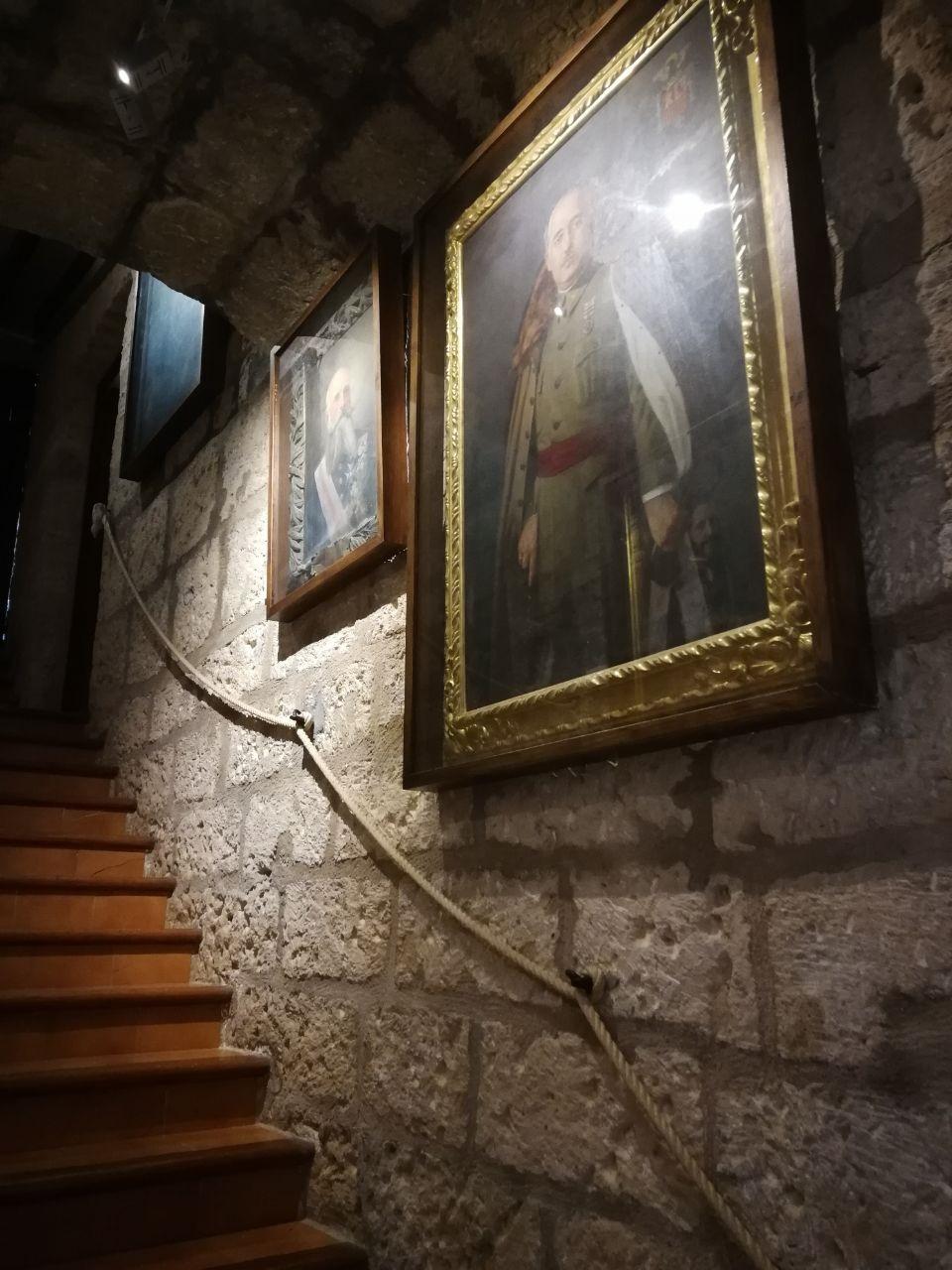 Retrat de Franco al Castell de Sant Carles